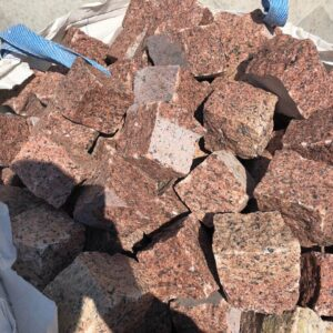 Natural split setts from granite Maple Red 10×10×10