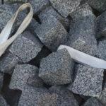 Множество серой брусчатки из гранита Grey Ukraine 10×10×10