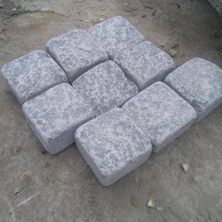 Галтованная брусчатка из габбро 10х10х5 (9 камней)