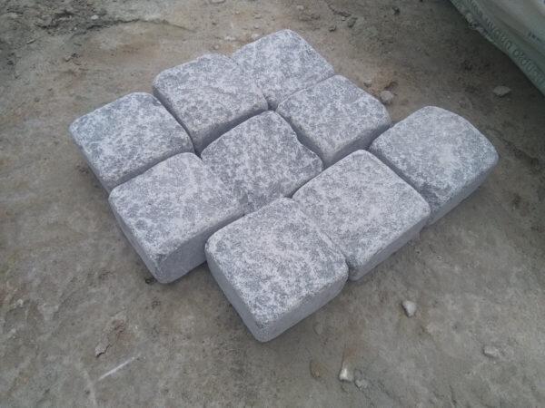 Tumbled stone setts from gabbro 10x10x5 (9 pcs)