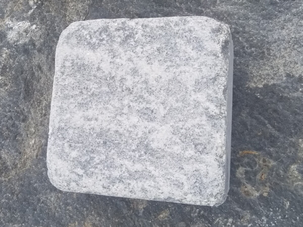 Tumbled stone setts from gabbro 10x10x5 (single stone)
